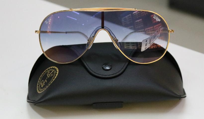 Óculos estilo máscara voltou com tudo na moda   RioMar Recife 4621e81c8a