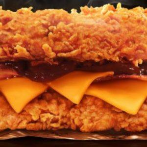 Sanduíche Double Down do KFC faz sucesso no RioMar
