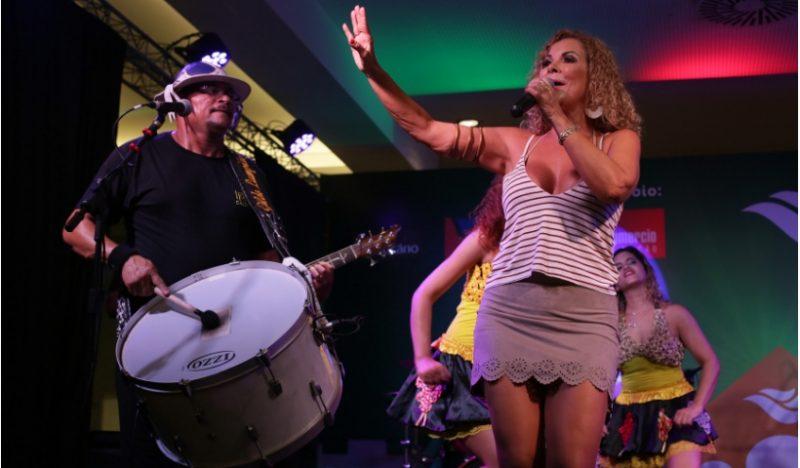 Feriado é no RioMar com show de artistas no Natal Sanfonado