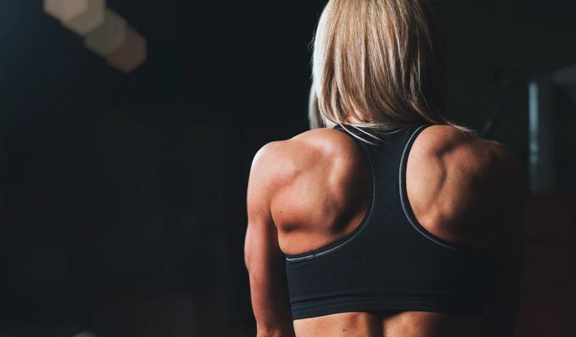 Aulas coletivas e musculação no mesmo dia: pode?