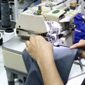 Consertos e ajustes de roupas disponíveis no RioMar