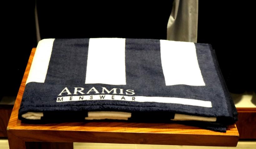 Aramis dispõe de toalha para o verão em ação promocional
