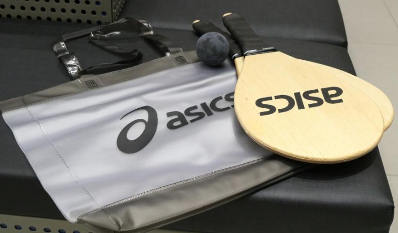 Asics oferece kit verão em ação promocional