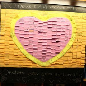 Mensagens de amor aos livros expostas na Livraria Cultura