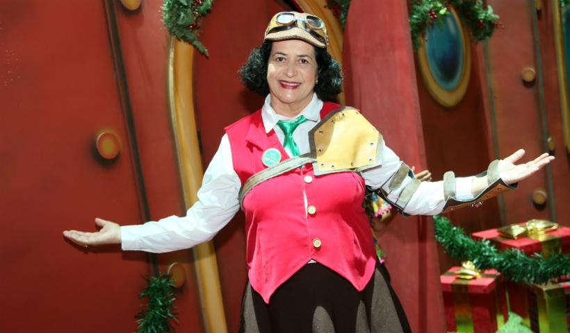 """Mrs. Walton conduz as crianças até a """"árvore mágica"""""""
