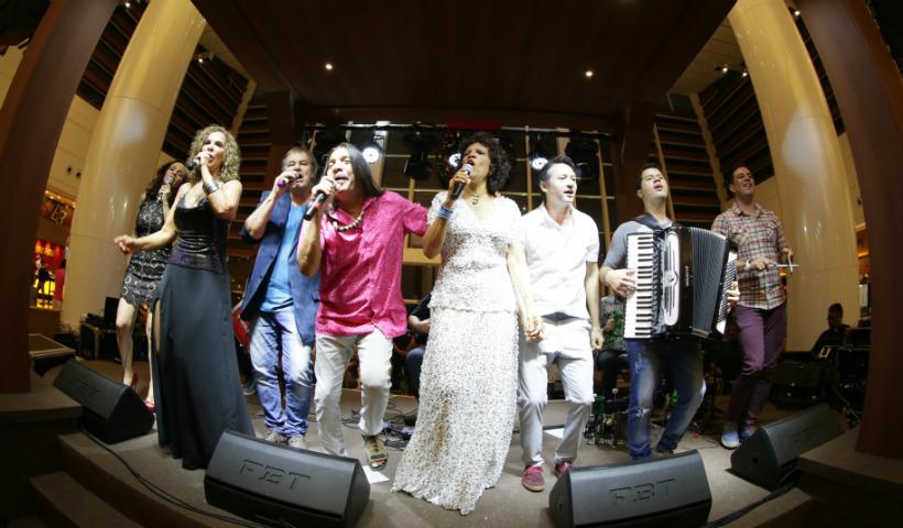 Vídeo: Músicas nordestinas e natalinas no Natal Sanfonado