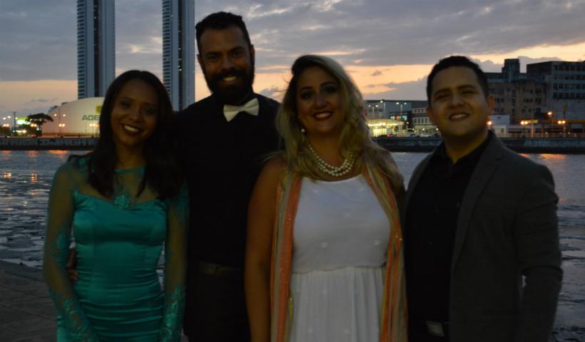 Academia de Ópera da UFPE no show de feriado do RioMar