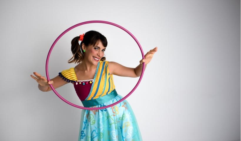 Carol Levy faz show, neste domingo, no Teatro RioMar