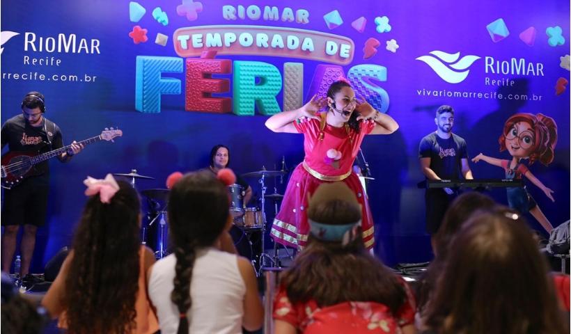 Ilana Ventura contagia de alegria a criançada no RioMar