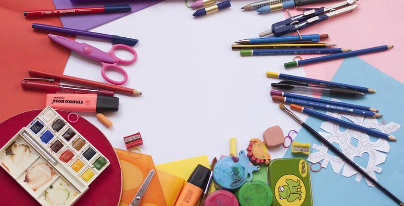 De tênis a papelaria: onde encontrar o material escolar do seu filho