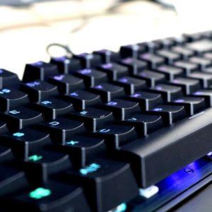 Teclados mecânicos para gamers que curtem desafios