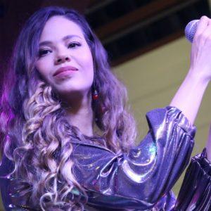 Cidade Seu Carnaval é inaugurado com show de Erica Natuza