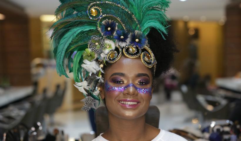 Vídeo: Make para arrasar no Carnaval