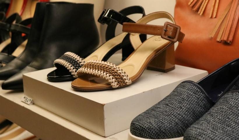 Mais promoções de verão nas lojas de calçados