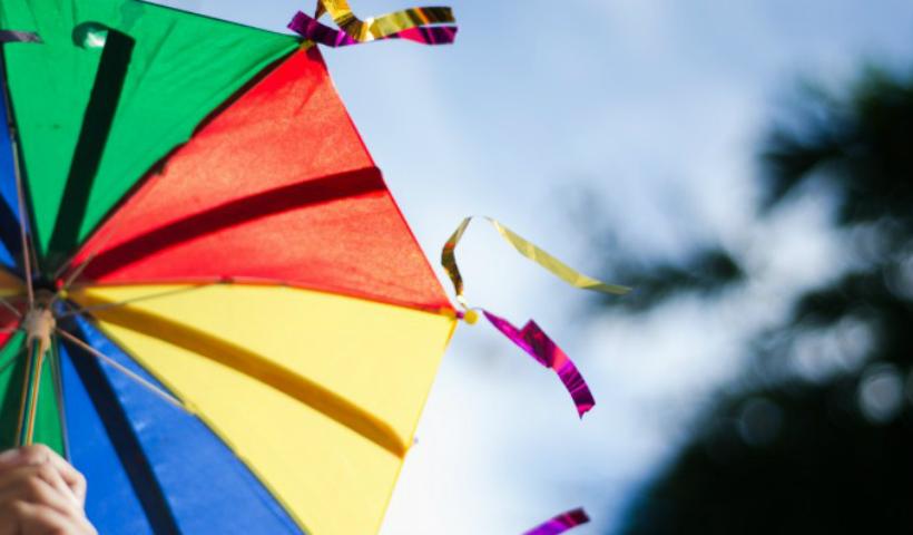 No Dia do Frevo, arrisque os primeiros passos e caia na folia