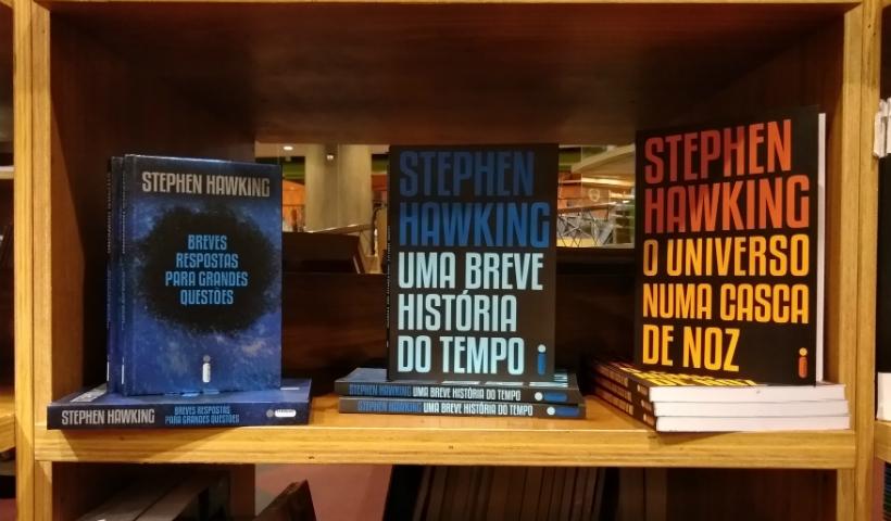 Um ano da morte de Stephen Hawking e a relatividade do tempo
