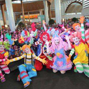 Bandalelê e trup da alegria garantem a diversão no dia do circo