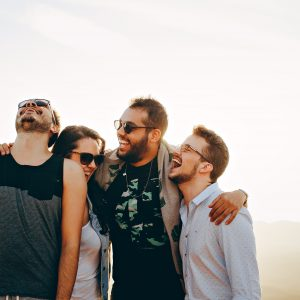 Editorial: A felicidade começa em você