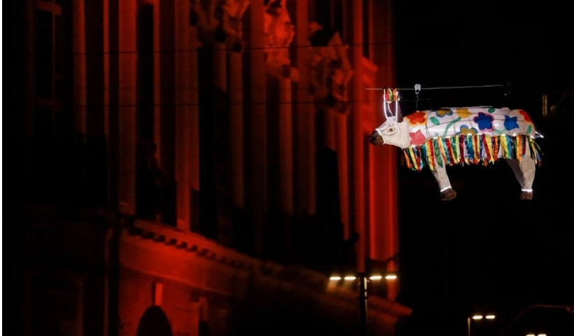 RioMar recebe blitz de divulgação do espetáculo Boi Voador