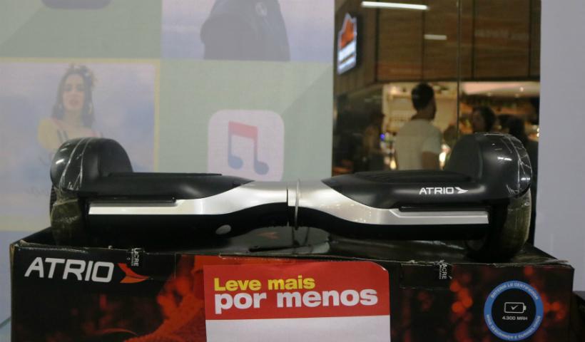 Hoverboard traz diversão sobre duas rodas