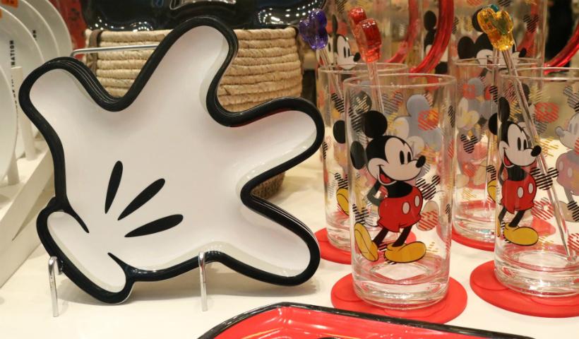 Coleção Mickey Mouse 90 anos em oferta na Camicado