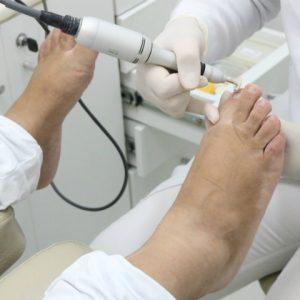 Sr. Pé oferece serviços para cuidar dos pés