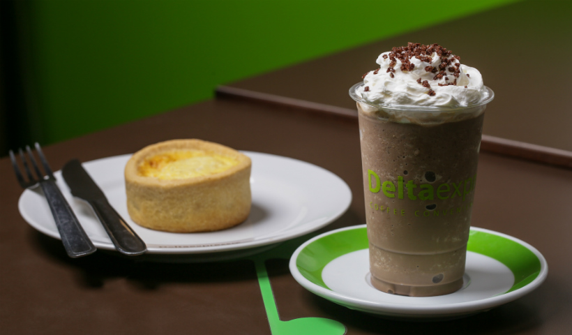 Delta harmoniza quiche com o famoso cappuccino crocante da casa