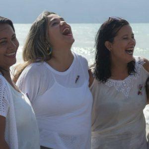 RioMar recebe exposição fotográfica com mães de crianças autistas