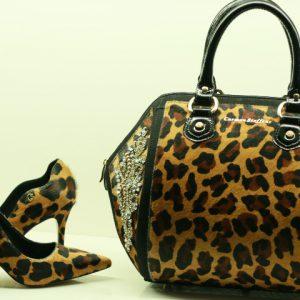 Bolsas e calçados para acertar no presente de Dia das Mães