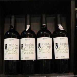 Degustação do vinho Sonho do Poeta no Perini