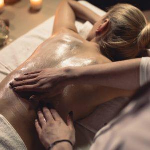 Diferentes tipos de massagens para presentear seu amor