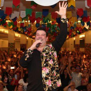 Feriado de São João animado com show de André Rio