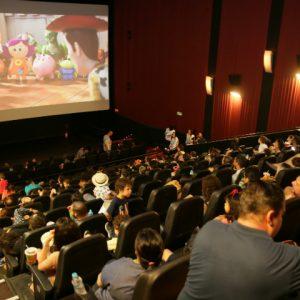 Inclusão social e alegria contagiam a Sessão Azul no Cinemark