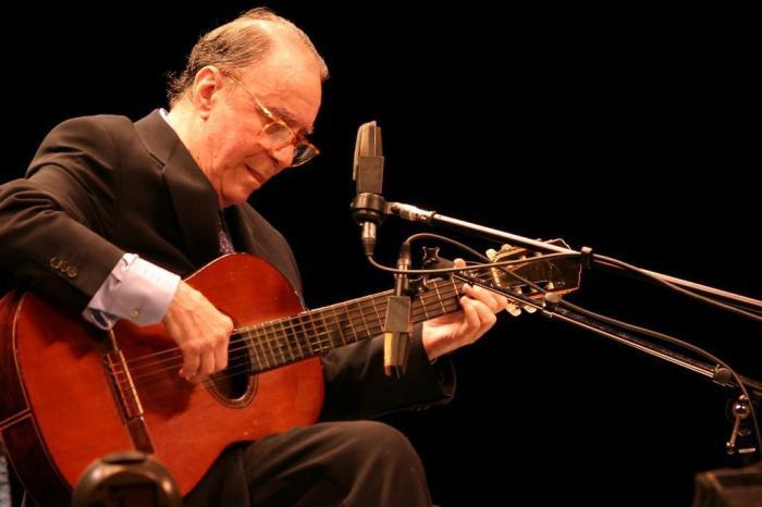 Para relembrar: cinco grandes clássicos na voz de João Gilberto