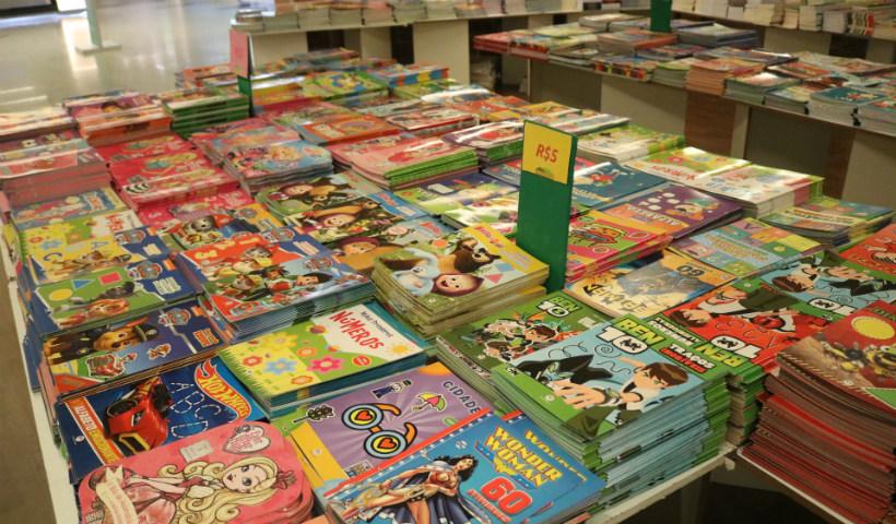 Feirinha de Livros incentiva leitura entre os pequenos nas férias