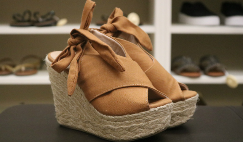 Até 60% de desconto nos calçados femininos da Constance