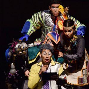 Funcionários ganham ingressos gratuitos para peça teatral