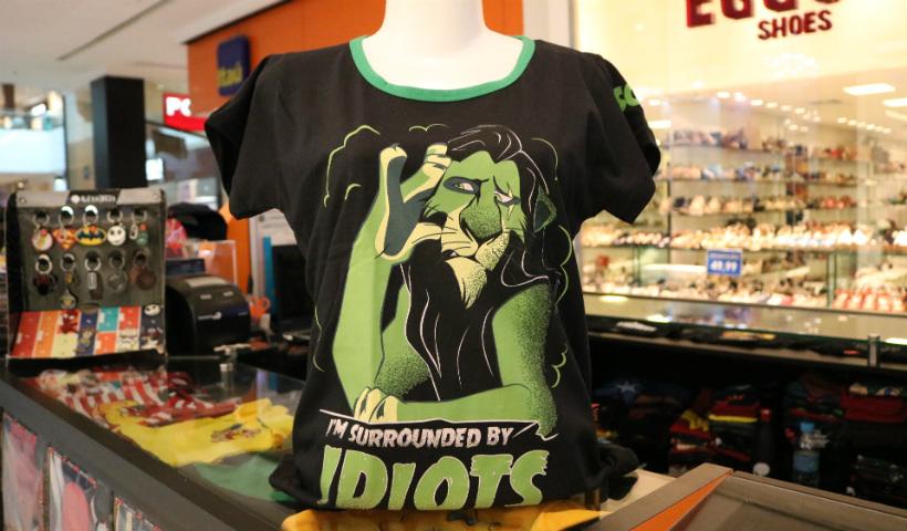 """""""O Rei Leão"""" e """"Aladdin"""" estampam camisas geek"""