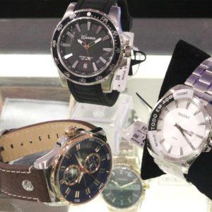 Relógios modernos e estilosos para presentear os pais