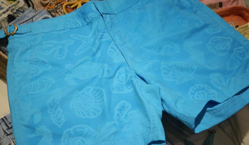 Novos shorts que revelam a estampa no contato com a água