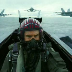 """""""Top Gun: Maverick"""" com Tom Cruise ganha primeiro trailer"""