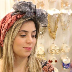 Tendência: como usar lenços no cabelo de diferentes maneiras