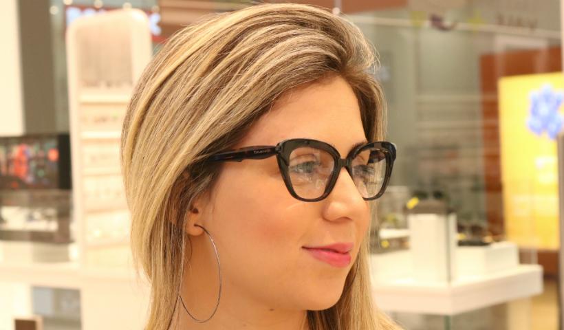 Bonitos e charmosos, óculos de grau são os queridinhos da vez