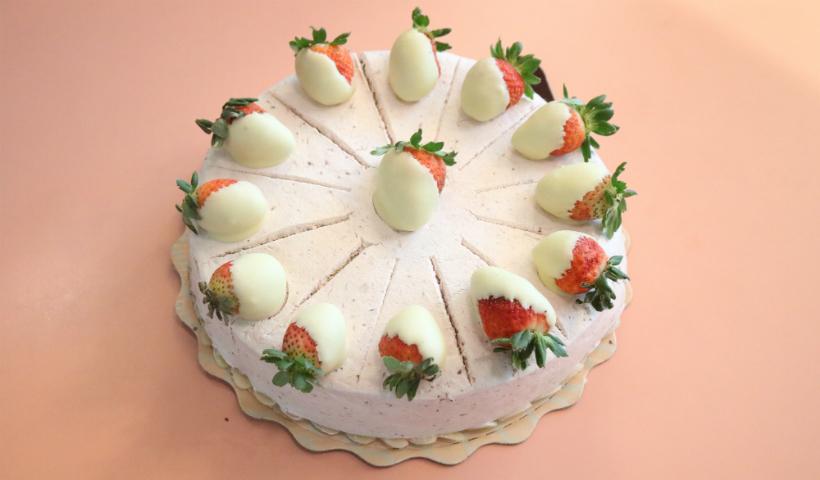 Torta Dona Ana é destaque entre as sobremesas da Dalena