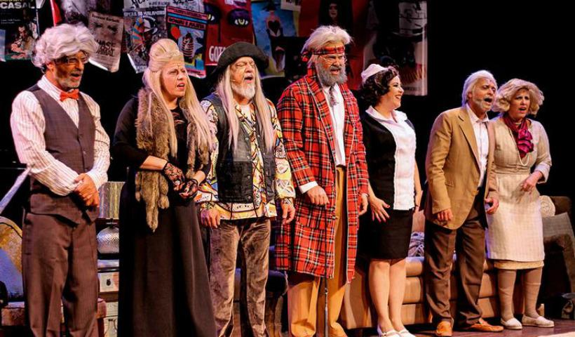 "Teatro RioMar recebe a comédia musical ""Forever Young"""