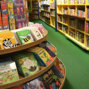 Livraria Cultura oferece contação de histórias à criançada