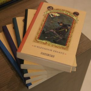 Das páginas para as telas: séries baseadas em livros