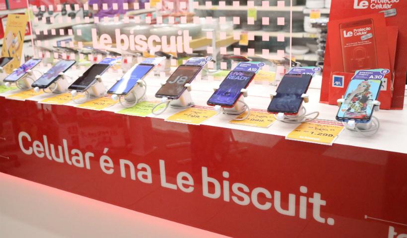Nova linha de telefonia com vários smartphones na Le Biscuit