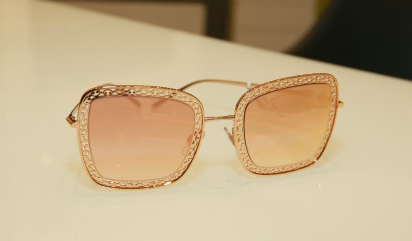55+: óculos de sol protegem e dão mais estilo