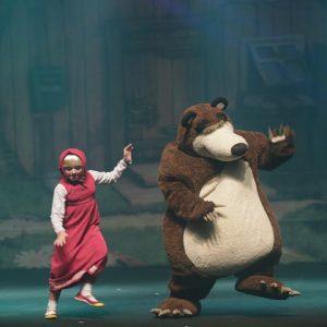 Masha e o Urso encerram o fim de semana das crianças no RioMar